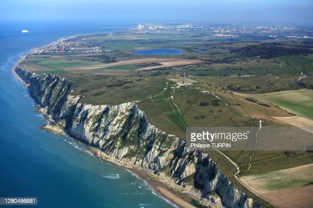 france, pas-de-calais, opal coast, cap blanc-nez and calais at back - オードフランス地域圏 ストックフォトと画像