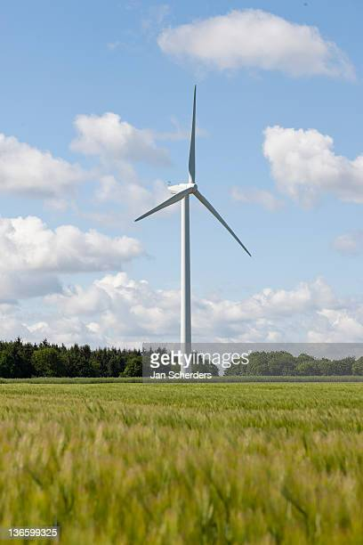 france, picardy, somme, pont remy, wind turbine in field - ソム ストックフォトと画像