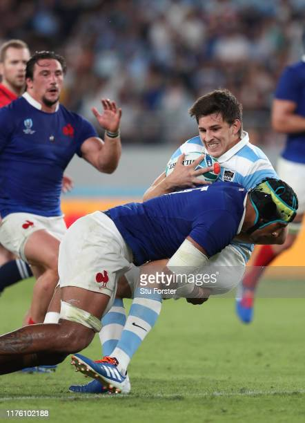 France player Sebastien Vahaamahina tackles Tomas Lezana of Argentina during the Rugby World Cup 2019 Group C game between France and Argentina at...