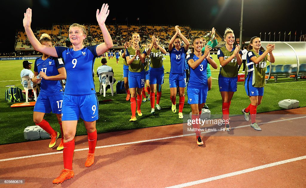 France players thank the fans, after their win against Germany during the FIFA U-20 Women's World Cup Papua New Guinea 2016 Quarter Final match between Germany and Fra