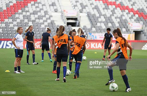 France players train ahead of the final of the FIFA U20 Women's World Cup Papua New Guinea 2016 at the National Footbal Stadium on December 2 2016 in...