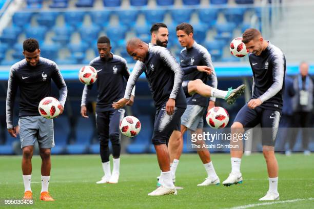 France players warm up during a training session at Saint Petersburg Stadium on July 9 2018 in Saint Petersburg Russia