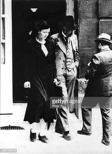 France Popular Front Mrs Irène JoliotCurie in front of the Hotel Matignon July 1936