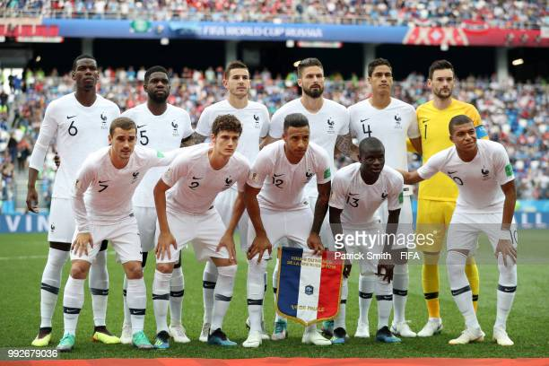 France pose for a team photo prior to the 2018 FIFA World Cup Russia Quarter Final match between Uruguay and France at Nizhny Novgorod Stadium on...