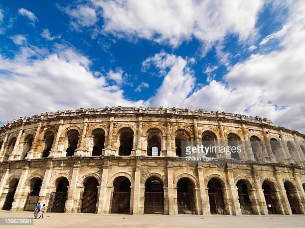 france, provence, nimes, roman arena - ニーム ストックフォトと画像