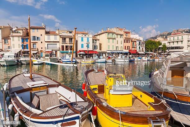 france, provence-alpes-cote d'azur, bouches-du-rhone, cassis, harbour - cassis stock pictures, royalty-free photos & images
