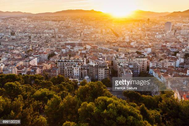 france, provence-alpes-cote dazur, marseille, cityscape at dusk - marseille stock pictures, royalty-free photos & images