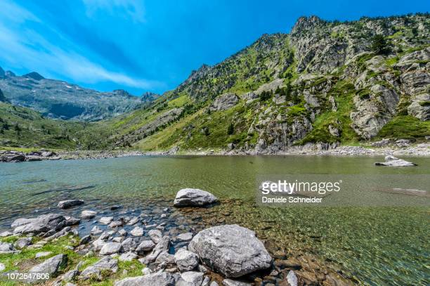 france, pyrenees national park, occitanie region, val d'azun, haute-vallee d'estaing, lake of plaa de prat 1,656 meters - オートピレネー ストックフォトと画像