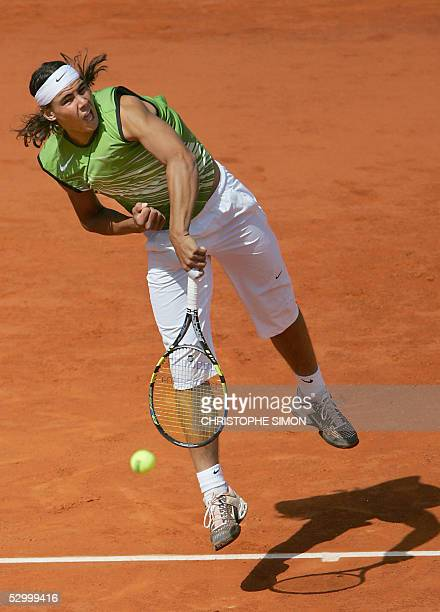 Rafael Nadal of Spain serves to Sebastien Grosjean of France during their fourth round match of the tennis French Open at Roland Garros, 30 May 2005...