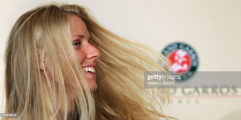 Russian Elena Dementieva gives a press conference after being defeated by Russian Anastasia Myskina in the women's final at Roland Garros during the French Open in Paris 05 June 2004.
