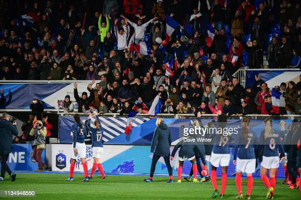 France salute their fans on the lap of honour following the Women's International Friendly match between France and Japan at Stade Abbe Deschamps on...