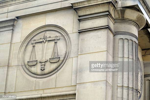 france, seine et marne. coulommiers. heritage days. courthouse. symbol of justice on the facade. - courthouse stock pictures, royalty-free photos & images
