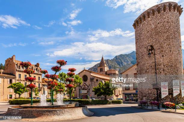 france - sisteron - sisteron stock pictures, royalty-free photos & images
