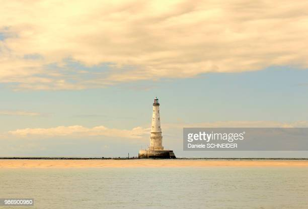 france, south-western france, gironde estuary, cordouan lighthouse at low tide - aquitaine stock photos and pictures