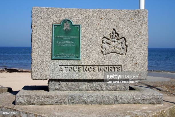 france: wwii d-day monument at bernieres-sur-mer - juno beach normandy stock pictures, royalty-free photos & images
