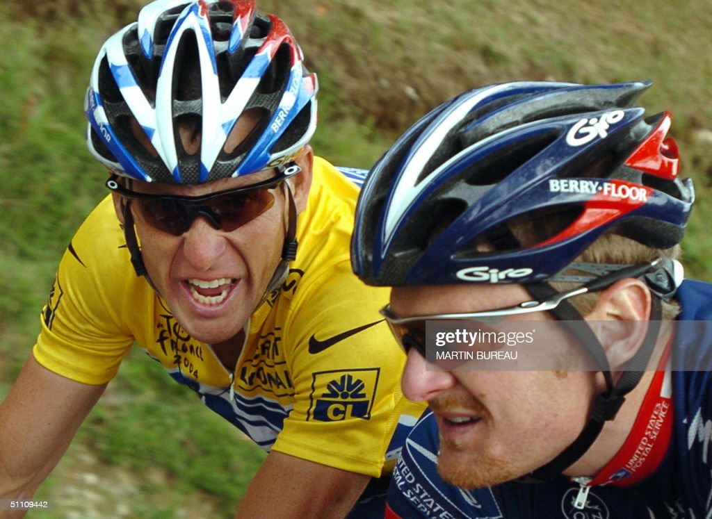 Yellow jersey US Lance Armstrong (US Pos : News Photo