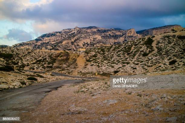 france,marseille, road in the area of les goudes - bouches du rhone stock pictures, royalty-free photos & images