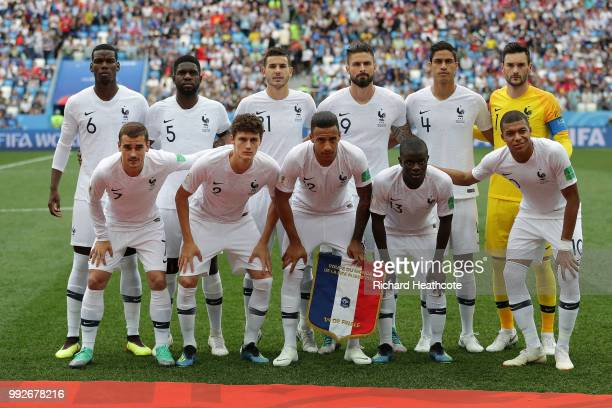 Francepose for a team photo prior to the 2018 FIFA World Cup Russia Quarter Final match between Uruguay and France at Nizhny Novgorod Stadium on July...