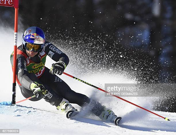 France's Alexis Pinturault competes during the FIS Alpine World Cup Men Giant Slalom on December 4 2016 in Val d'Isere in the French Alps / AFP /...