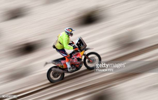 France's Antoine Meo powers his Ktm during Stage 7 of the 2018 Dakar Rally between La Paz and Uyuni Bolivia on January 13 2018 / AFP PHOTO / FRANCK...