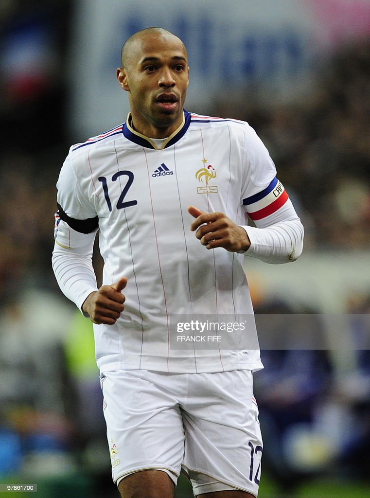 France's attacker Thierry Henry runs during a friendly international football match against Spain at the stade de France in Paris on March 3, 2010.