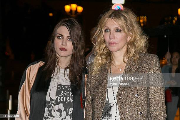 Frances Bean Cobain and Courtney Love arrive at the 'RITZ' hotel on September 30 2016 in Paris France