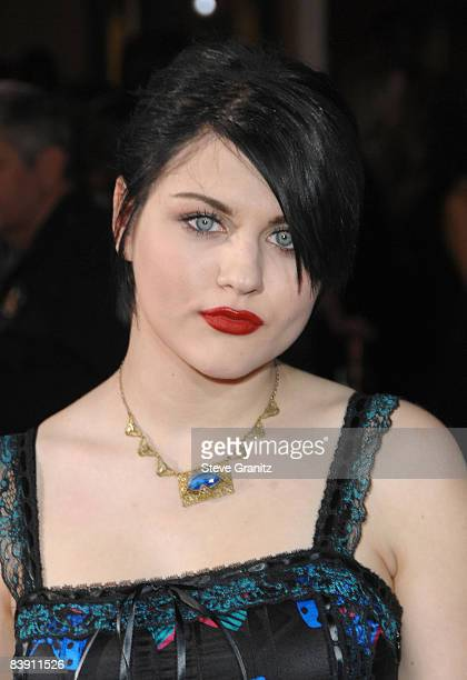 Frances Bean Cobain arrives at the Los Angeles premiere of 'Twilight' at the Mann Village and Bruin Theaters on November 17 2008 in Westwood...