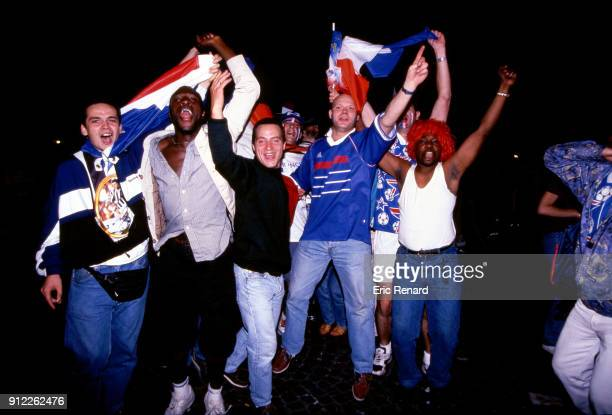 France's fans after the Soccer World Cup Final between Brazil and France on July 12 1998 in Paris Champs Elysee France Eric Renard / Onze / Icon Sport