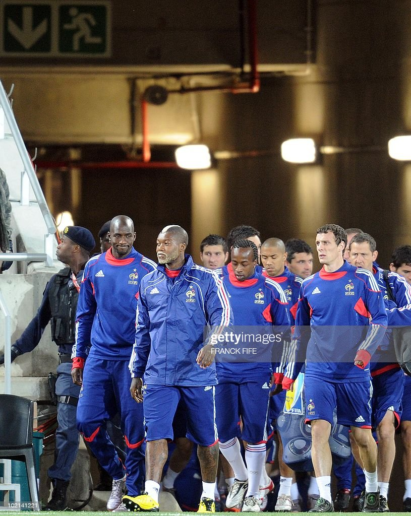 France's football national team arrives for a training session at the Peter Mokaba stadium in Polokwane, on June 16, 2010. France will play against Mexico in their second first-round match of the 2010 Football World Cup on June 17.