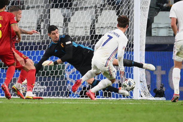 France's forward Antoine Griezmann fails to score during the UEFA Nations League semi-final football match between Belgium and France at the Juventus...