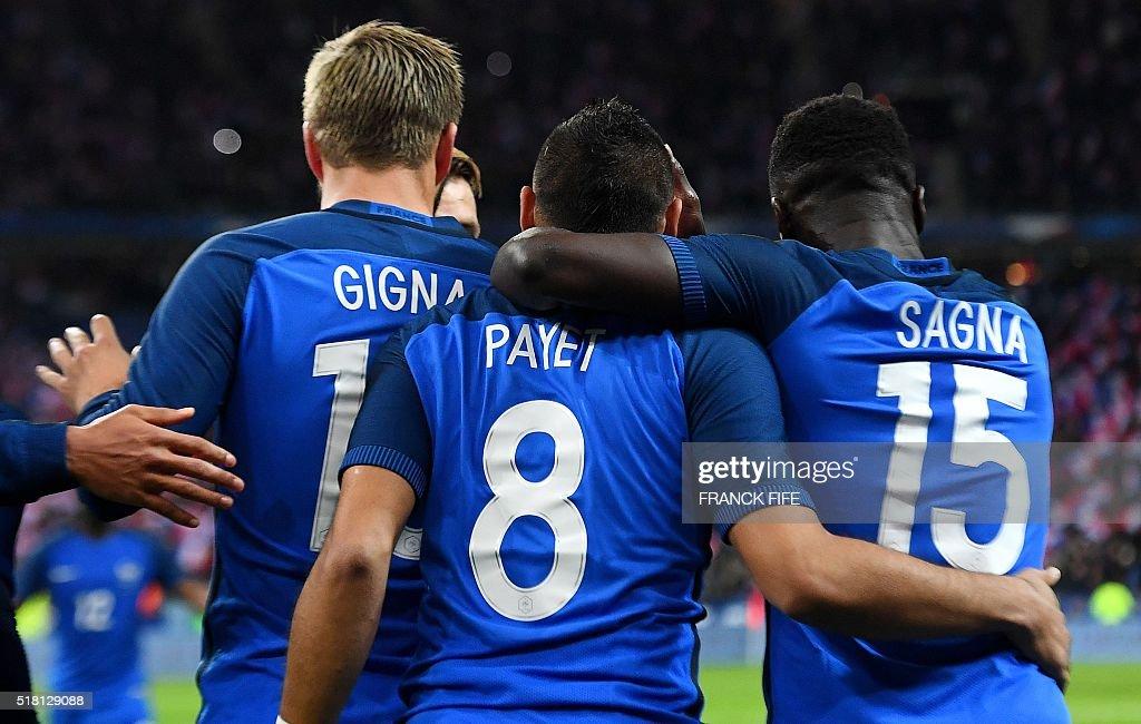 FBL-EURO-2016-FRIENDLY-FRA-RUS : News Photo
