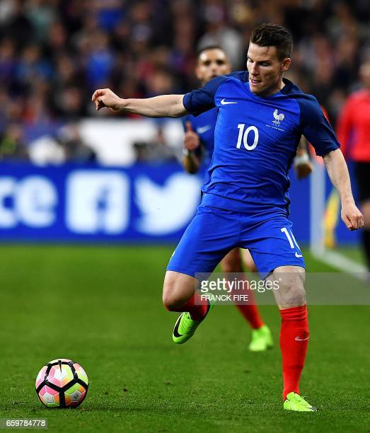 France's forward Kevin Gameiro controls the ball during the friendly football match France vs Spain on March 28 2017 at the Stade de France stadium...