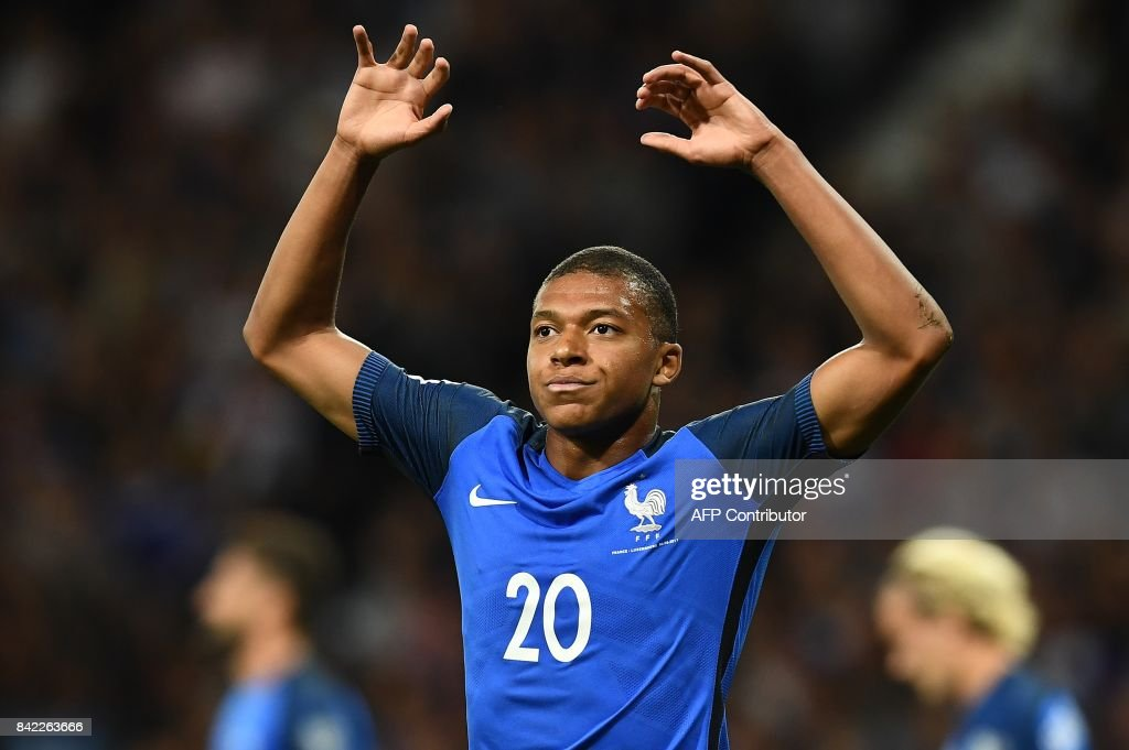 France's forward Kylian Mbappe reacts after missing a shot on goal during the FIFA World Cup 2018 qualifying football match France vs Luxembourg on September 3, 2017 at the Municipal Stadium in Toulouse, southern France. /