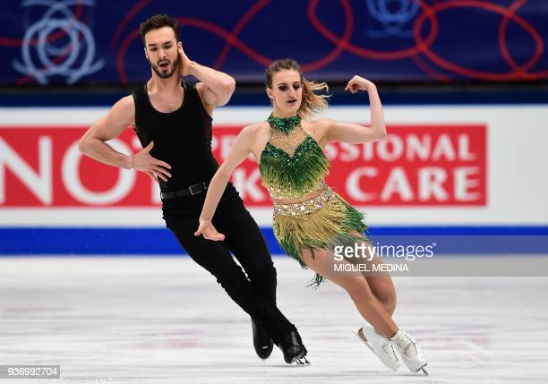 TOPSHOT France's Gabriella Papadakis and Guillaume Cizeron perform during the Ice Dance Short Dance program at the Milano World Figure Skating...