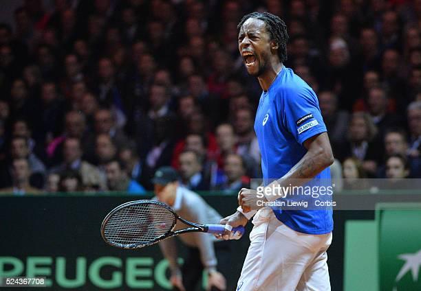 France's Gel Montfils vs Switzerland's Rogers Federrer in the Final of the Davis Cup 2014 in the Stadium Pierre Mauroy Villeneuve d'Ascq France on...