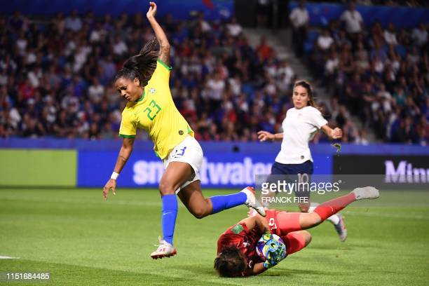TOPSHOT France's goalkeeper Sarah Bouhaddi makes a save in front of Brazil's forward Geyse during the France 2019 Women's World Cup round of sixteen...