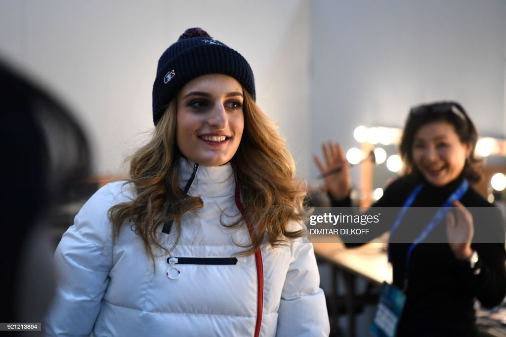 France's ice dance silver medallist Gabriella Papadakis gets ready backstage at the Athletes' Lounge during the medal ceremonies at the Pyeongchang Medals Plaza during the Pyeongchang 2018 Winter Olympic Games in Pyeongchang on February 20, 2018. / AFP PHOTO / Dimitar DILKOFF