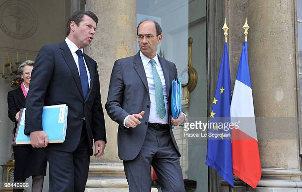 France's Industry Minister Christian Estrosi and Labour minister Eric Woerth leave the Elysee Palace after the weekly cabinet meeting on April 14...