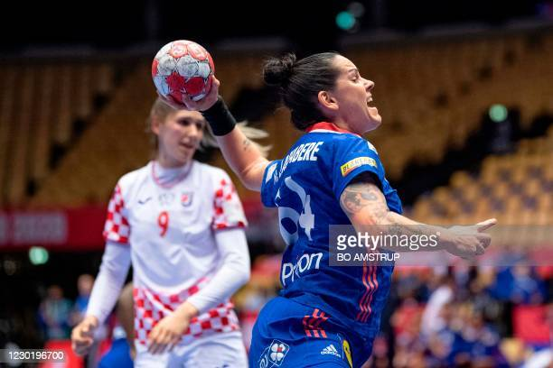 France's Left back Alexandra Lacrabere vies with Croatia's Left back Camila Micijevic during the semi-final match between France and Croatia of the...