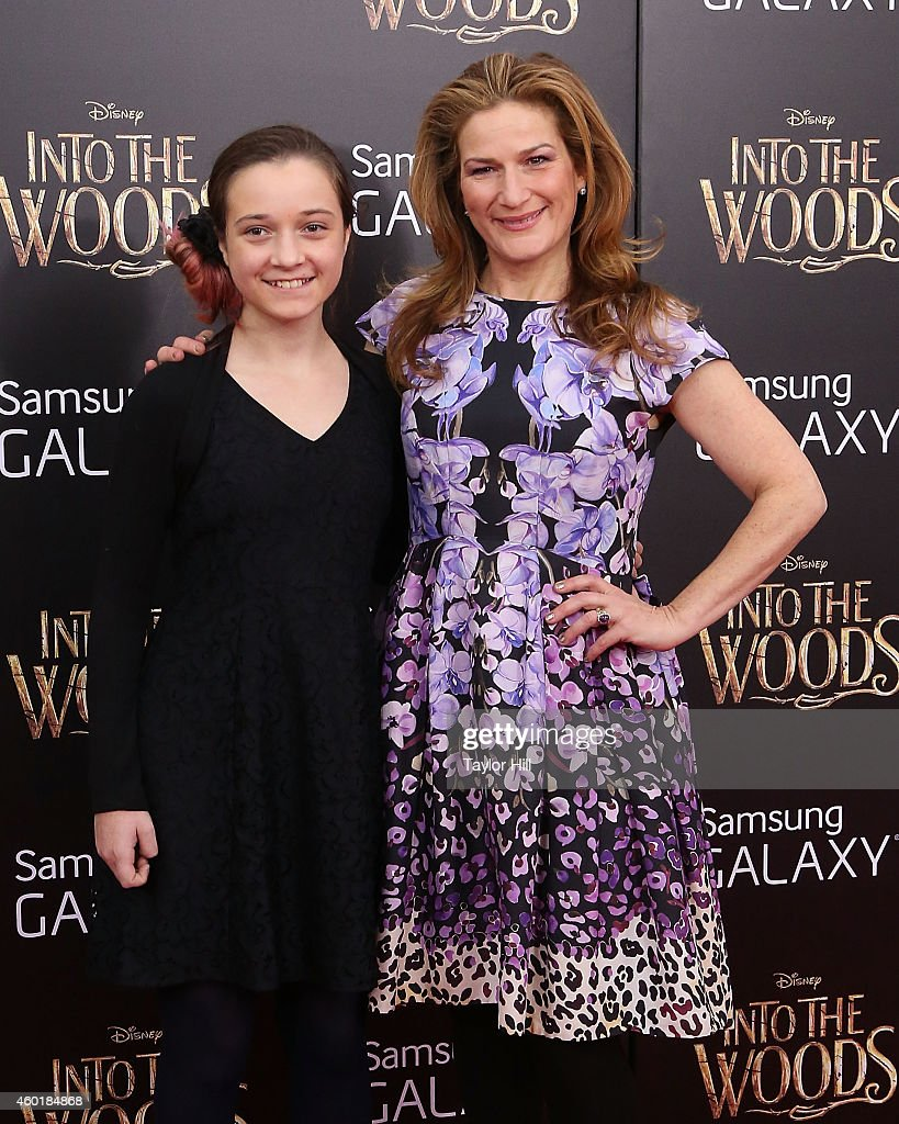 """""""Into The Woods"""" World Premiere - Outside Arrivals : News Photo"""