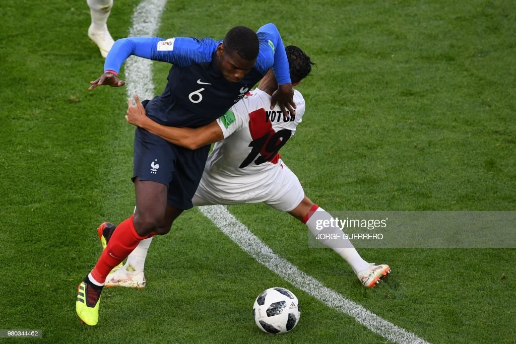 TOPSHOT-FBL-WC-2018-MATCH21-FRA-PER : News Photo