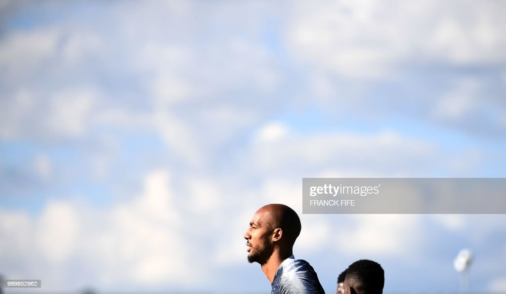 FBL-WC-2018-FRA-TRAINING : News Photo