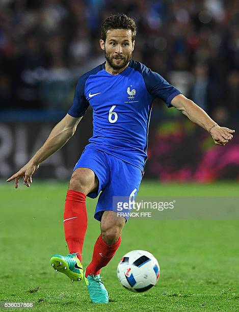 France's midfielder Yohan Cabaye passes the ball during the friendly football match between France and Cameroon at the Beaujoire Stadium in Nantes...