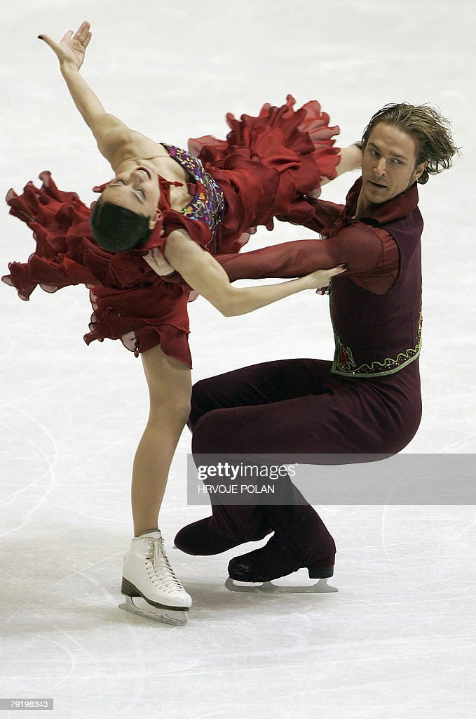 France's Nathalie Pechalat and Fbian Bourzat perform their original dance at the Dom Sportova Arena in Zagreb, 24 January 2008, during the European Figure Skating Championships 2008.