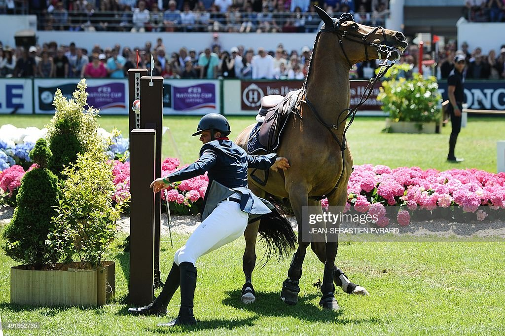 EQUESTRIAN-FRA-JUMPING : News Photo