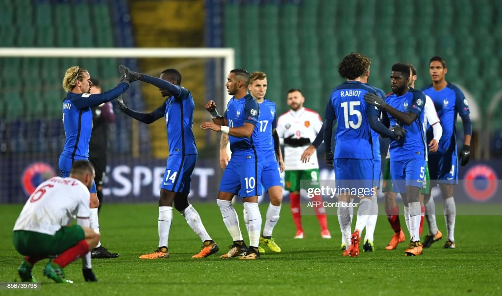 France's players celebrate after victory in the FIFA World Cup 2018 qualifying football match between Bulgaria and France at The Vasil Levski Stadium in Sofia on October 7, 2017. / AFP PHOTO / Dimitar DILKOFF