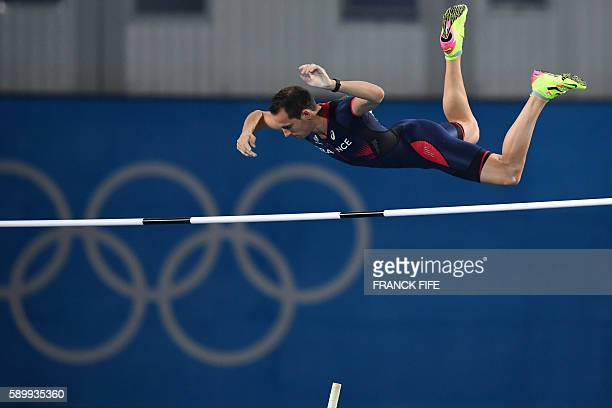 TOPSHOT France's Renaud Lavillenie competes in the Men's Pole Vault Final during the athletics competition at the Rio 2016 Olympic Games at the...