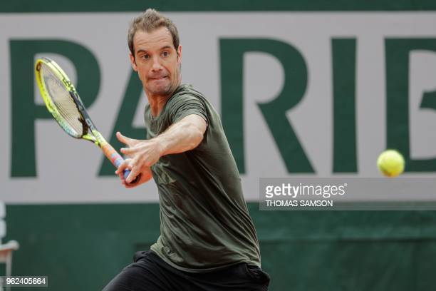 France's Richard Gasquet attends a training session at the Roland Garros stadium on May 25 2018 in Paris ahead of 2018 French Open tennis tournament