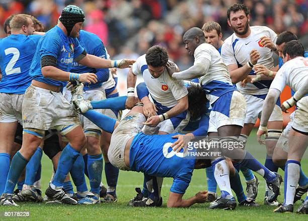 France's scrum half Dimitri Yachvili vies with Italy's number 8 and captain Sergio Parisse during the 6 Nations rugby union match France vs. Italy,...