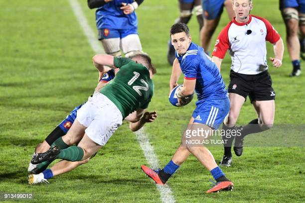 France's scrumhalf Arthur Coville runs with the ball during the Six Nations U20 rugby match France versus Ireland on February 2 2018 at the...